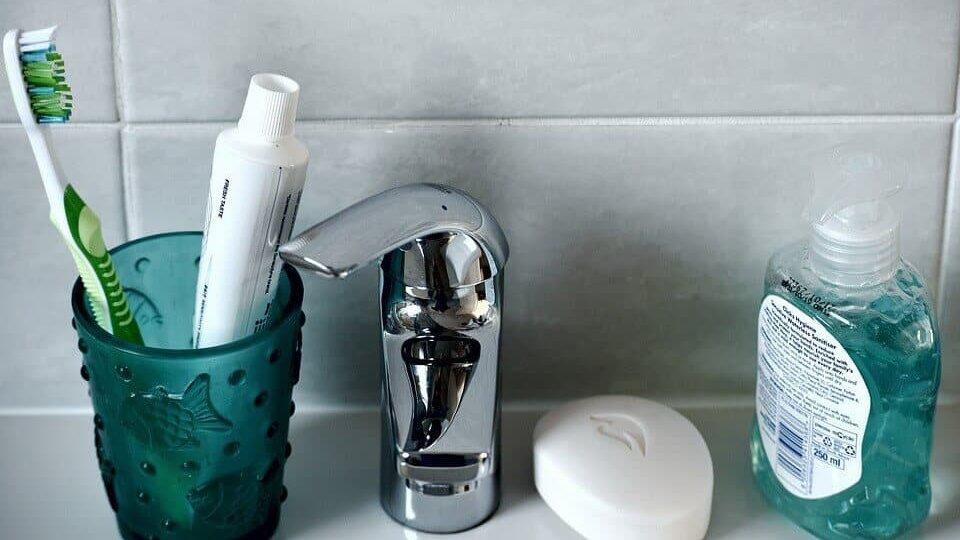 Utilitza totes les eines possibles i frescoryl per cuidar la salut de la teva boca i les dents