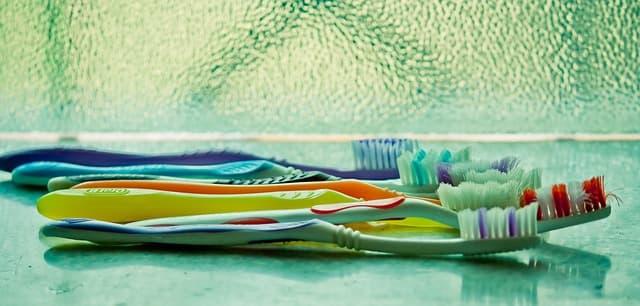 Trobem diferents raspalls de dents que s'adapten a la teva boca
