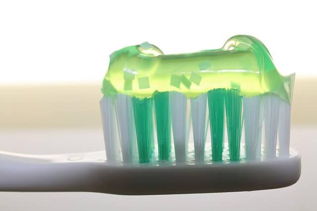 Els microplastics es troben a les pastes de dents i son perjudicials per el medi ambient i per la salut