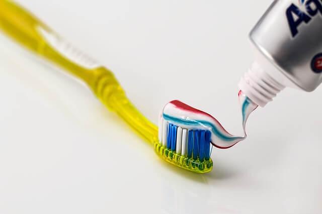 Les pastes de dents utilitzen les textures i els colors per cridar l'atenció